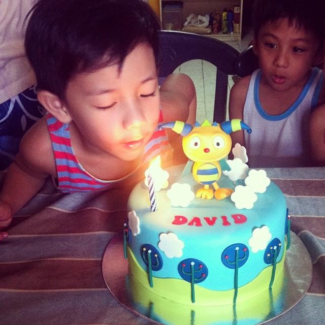 David is 5