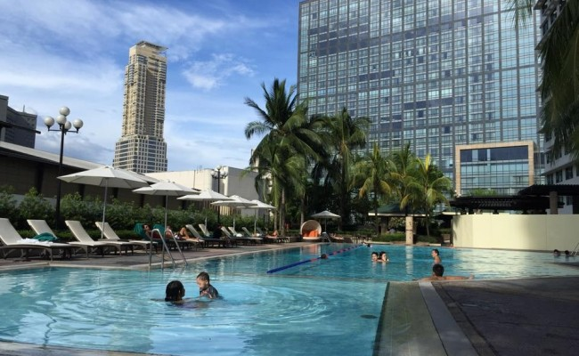 Makati for the Weekend Warriors: Staycation at New World Hotel