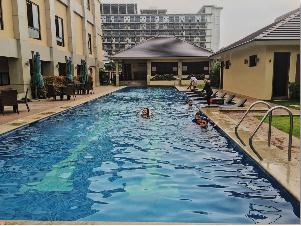 Hotel Monticello Tagaytaw Heated Pool
